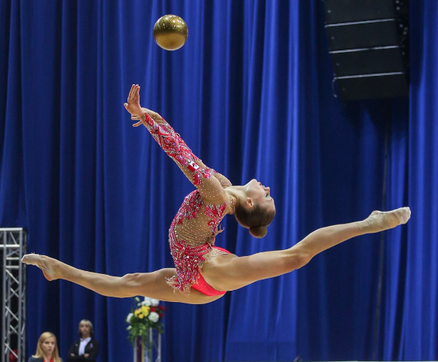 Learning experience for Canadian rhythmic gymnasts in Russia